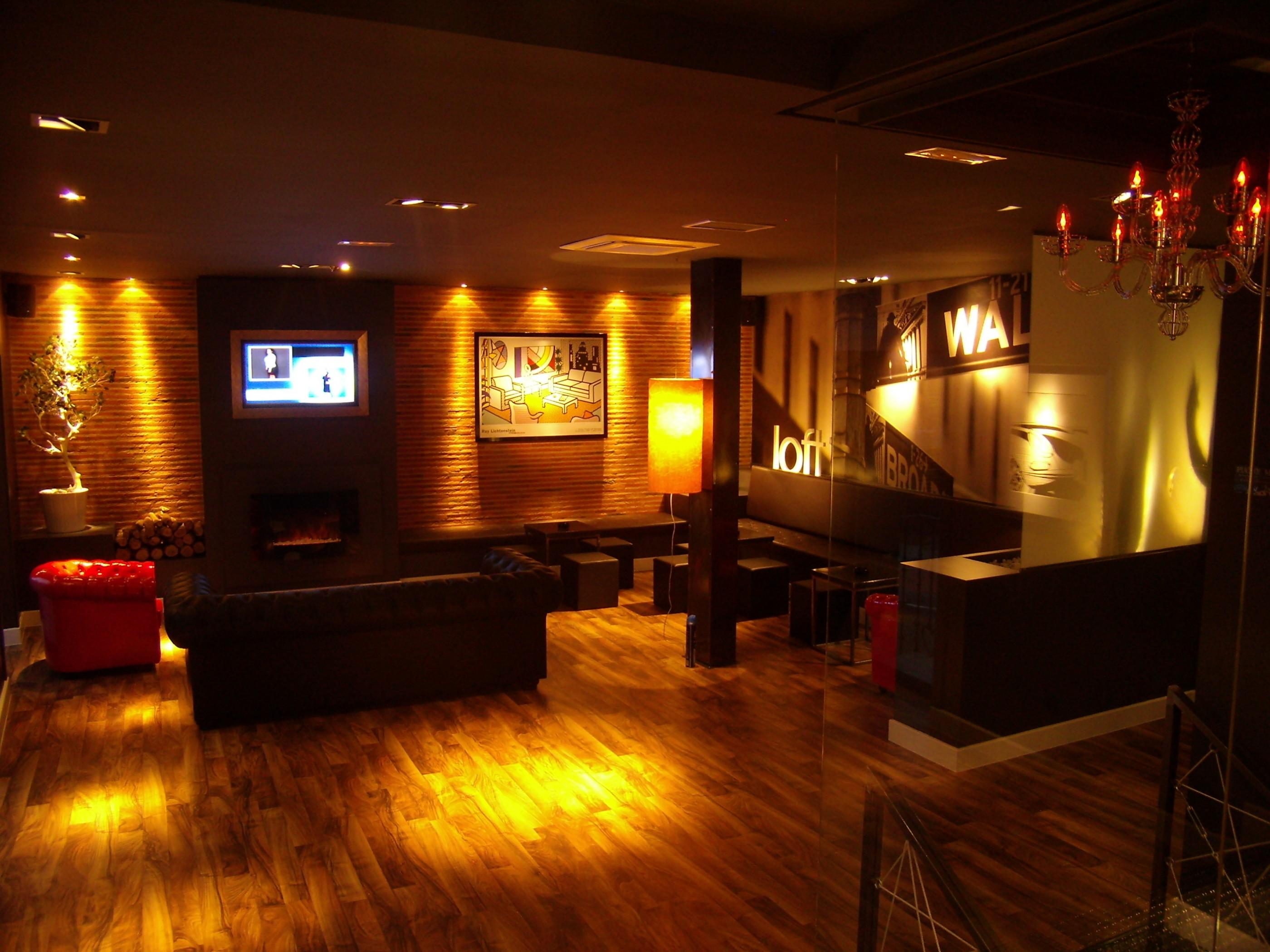 Bar loft boecillo audiolid - Decoracion de bares de copas ...